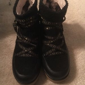 House of Harlow boots